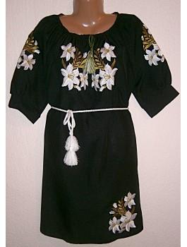 Сукня вишита чорна, машинна вишивка, гладдю. Габардин або домоткане полотно