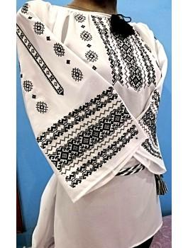 Вишиванка жіноча біла, машинна вишивка, хрестиком. Шифон, домоткане полотно або льон