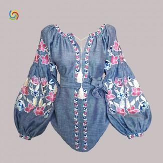 Вышиванка женская синяя, машинная вышивка гладью. Джинс-лён или домотканое полотно под джинс