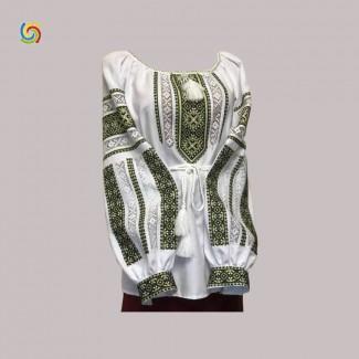 Вышиванка женская белая, машинная вышивка крестиком. Домотканое полотно