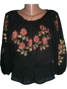 Вишиванка жіноча чорна, машинна вишивка, гладдю. Шифон або габардин