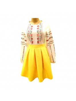 Вышиванка женская, машинная крестиком. Габардин. По желанию в комплекте юбка без вышивки на желтом габардине